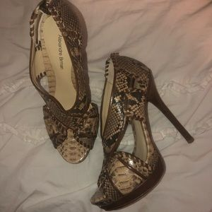 Alexandre Birman Snakeskin Shoes size 8